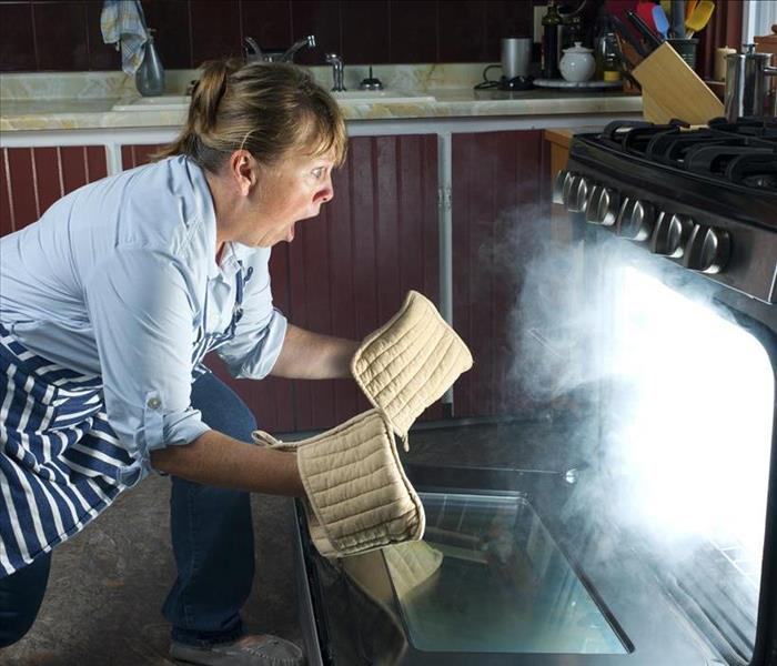Messy Commercial Kitchen: Getting Rid Of Soot Stains And Odors After Fire Damage In